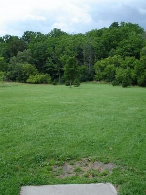 V.A. Barrie Park, Main course, Hole 12 Tee pad
