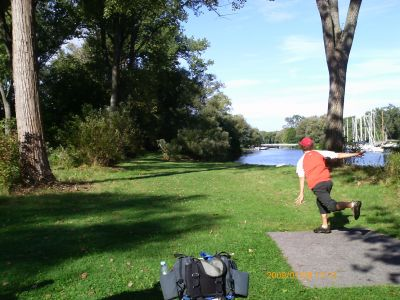 Toronto Island Park, Main course, Hole 9 Tee pad