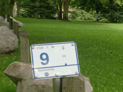 Pittock Conservation Park, Main course, Hole 9 Hole sign