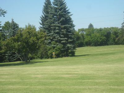 Diefenbaker Park, Main course, Hole 16 Tee pad