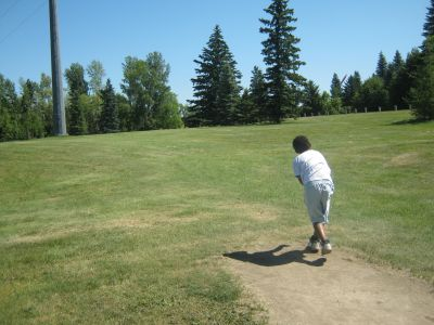 Diefenbaker Park, Main course, Hole 5 Tee pad