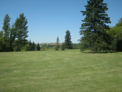 Diefenbaker Park, Main course, Hole 1 Tee pad