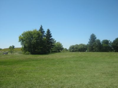 Diefenbaker Park, Main course, Hole 8 Tee pad