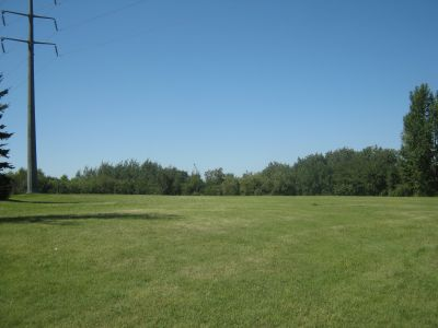 Diefenbaker Park, Main course, Hole 2 Tee pad