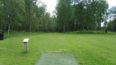 Rudan Frisbeesportcenter, Main course, Hole 8 Tee pad