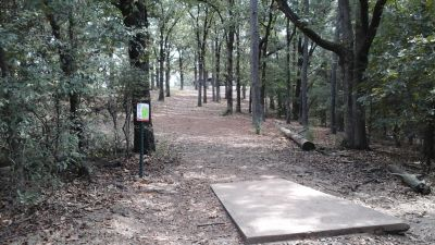 Burns Park, Red course, Hole 11 Tee pad