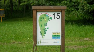 Järva Discgolf Park, Main course, Hole 15 Hole sign