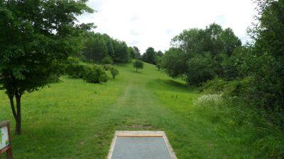 Järva Discgolf Park, Main course, Hole 17 Tee pad