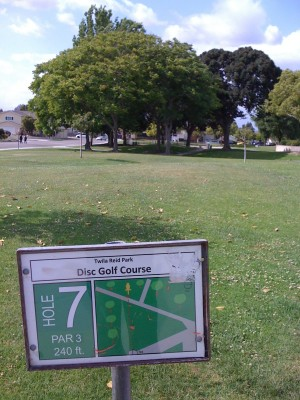 Twila-Reid Park, Main course, Hole 7 Tee pad