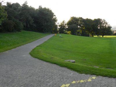 Zürich-Hardhof, Main course, Hole 1 Tee pad