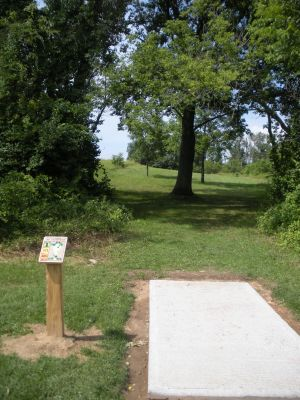 Meyer Broadway Park, North course, Hole 1 Long tee pad