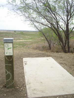 Pearsall Park, Main course, Hole 3 Tee pad
