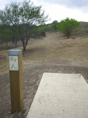 Pearsall Park, Main course, Hole 10 Tee pad