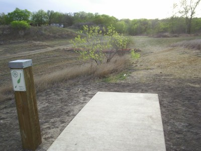 Pearsall Park, Main course, Hole 16 Tee pad