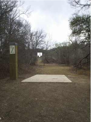 Pearsall Park, Main course, Hole 9 Tee pad