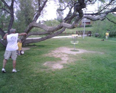 Mylar Park, Main course, Hole 9 Putt