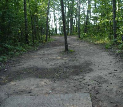 Newaygo State Park, Main course, Hole 9 Long tee pad