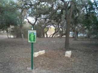 Boerne Lake Park, Main course, Hole 8 Tee pad