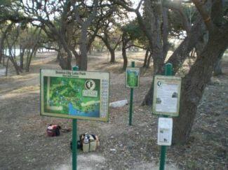 Boerne Lake Park, Main course, Hole 1 Tee pad