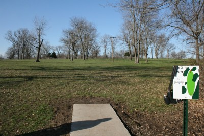Lake Shore DGC, Main course, Hole 3 Tee pad