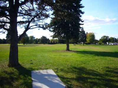 Lakeshore, The Ponds, Hole 9 Long tee pad