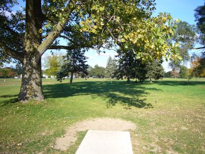 Lakeshore, The Ponds, Hole 8 Tee pad