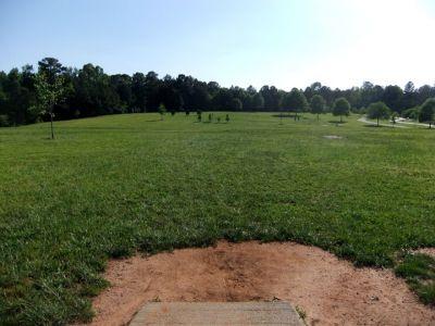 Alexander Park, Main course, Hole 2 Long tee pad