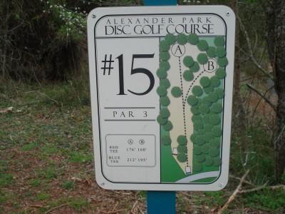 Alexander Park, Main course, Hole 15 Hole sign