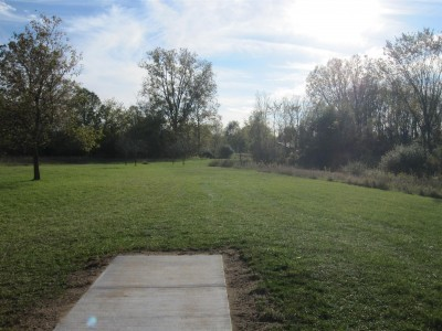 Independence Lake County Park, Chuck D. Memorial Course, Hole 5 Middle tee pad