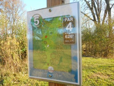 Independence Lake County Park, Chuck D. Memorial Course, Hole 5 Hole sign