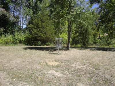 Independence Lake County Park, Chuck D. Memorial Course, Hole D Putt