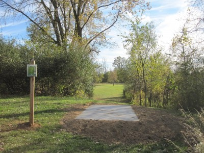 Independence Lake County Park, Chuck D. Memorial Course, Hole 5 Long tee pad