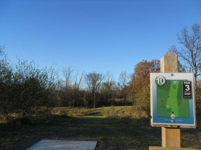 Independence Lake County Park, Chuck D. Memorial Course, Hole 10 Hole sign