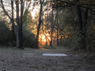 Independence Lake County Park, Chuck D. Memorial Course, Hole 18 Middle tee pad