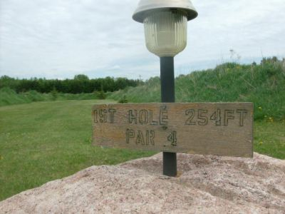 Farmview, Main course, Hole 1 Short tee pad