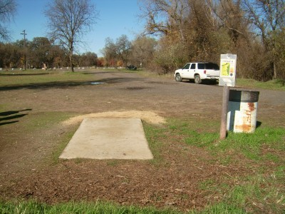 Anderson River Park, Main course, Hole 6 Tee pad