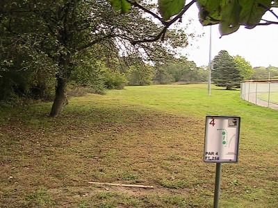 Alan G. Davis Park, Main course, Hole 4 Tee pad