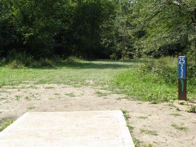 Kensington Metropark, Black Locust, Hole 25 Short tee pad