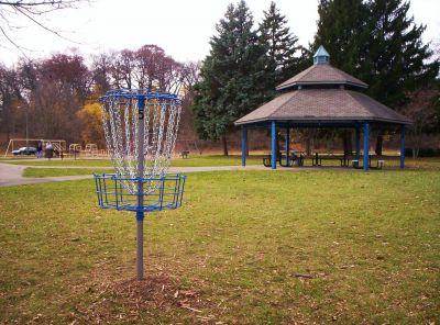Irving Park, Main course, Hole 5 Putt