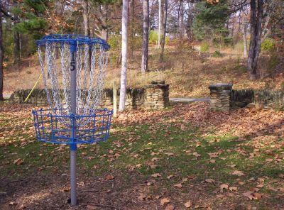 Irving Park, Main course, Hole 15 Putt