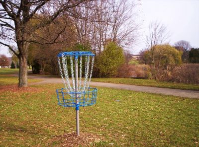 Irving Park, Main course, Hole 1 Putt