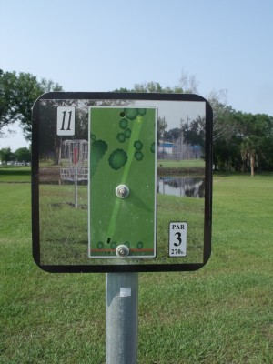 Youth Park, Main course, Hole 11 Hole sign