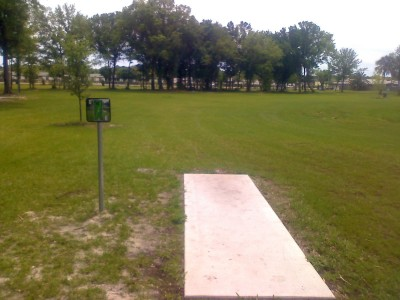 Youth Park, Main course, Hole 9 Tee pad