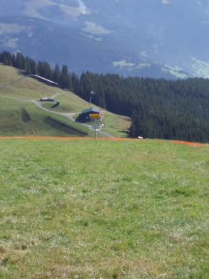 Schmitten Discgolf Parcours, Main course, Hole 1 Tee pad