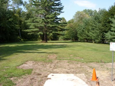 Sanford Lake Park, The Jungle, Hole 16 Tee pad