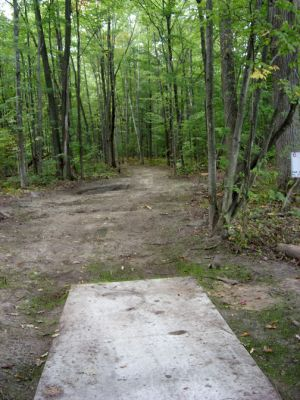 Sanford Lake Park, The Jungle, Hole 6 Tee pad