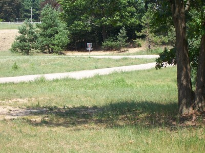 Shore Acres Park, Main course, Hole 16 Midrange approach