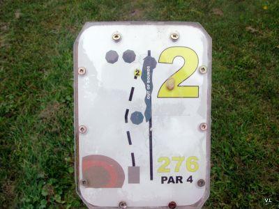 Homewood Park, Main course, Hole 2 Hole sign