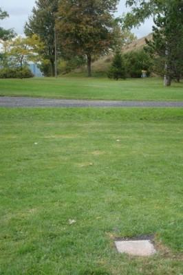Parc Ignace Bourget, Main course, Hole 7 Tee pad