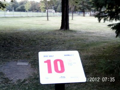 Parc Ignace Bourget, Main course, Hole 10 Hole sign
